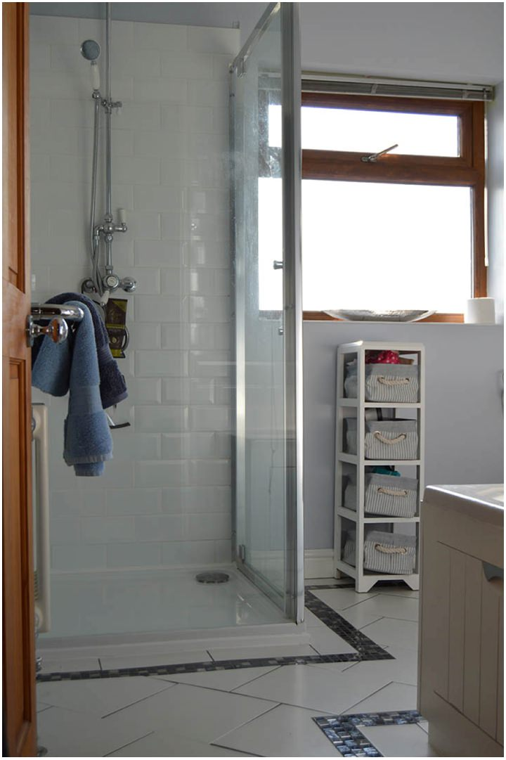 Real Homes - Before and After - Nickys Bathroom