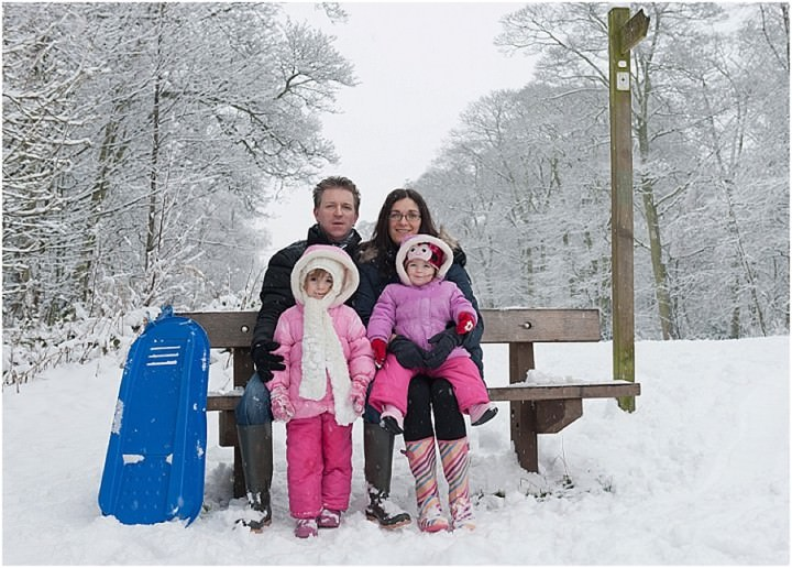 Family Shoot in the snow by Alex Knight Photography_0018